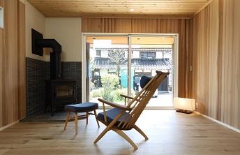 『ストーブのある小屋裏書斎の家』